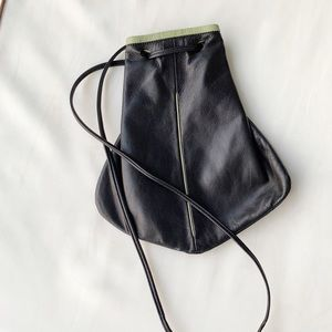 Vintage black leather crossbody bucket handbag